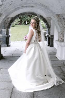brud-portrett-spinne-bryllupskjole