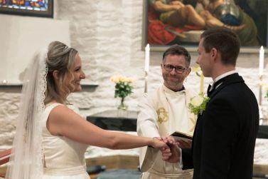 morsom-prest-bryllupslofter-kirke