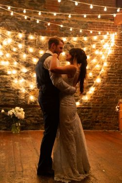 den-forste-dansen-brudepar