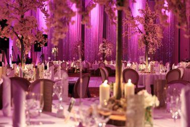 selskap-bord-dekorasjon-blomster